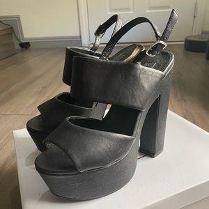 Steve Madden Wellthy Platform Sandal in Black